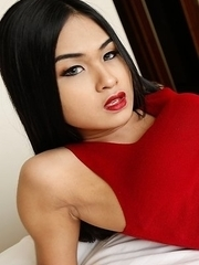 Stunning 19yo Thai ladyboy Pop gets her fill of white cock